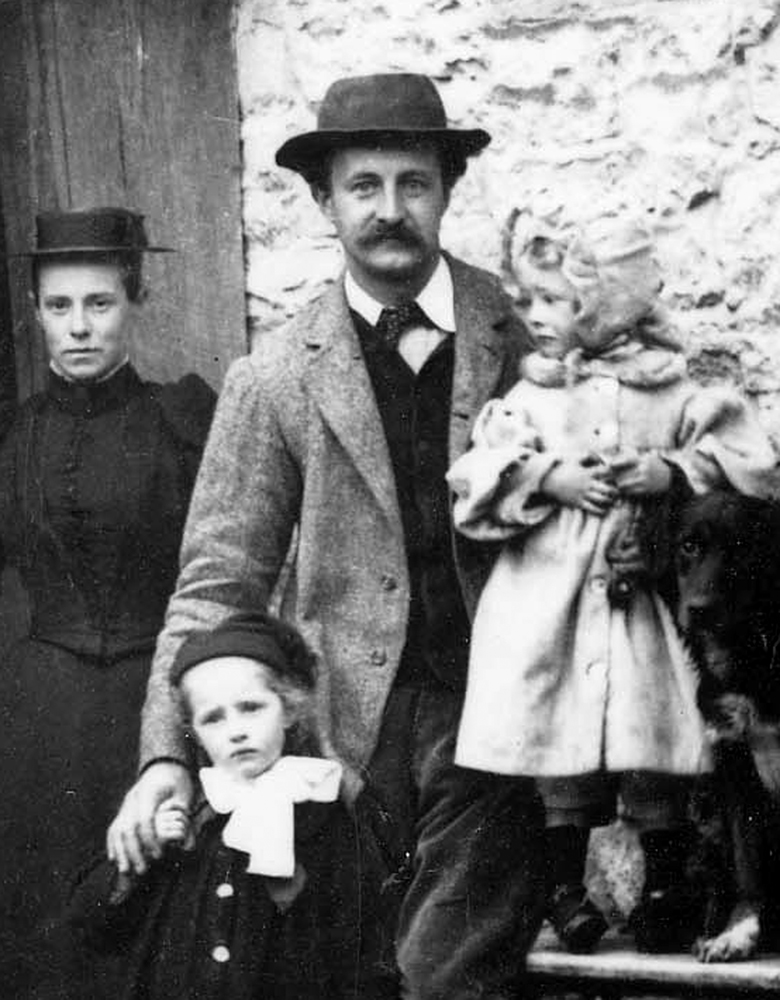 Ernest Barnsley with his family